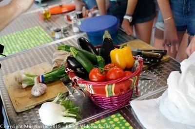 atelier des collégiens autour de la cuisine