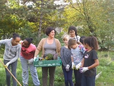 1er Atelier Jardin Médiéval au Collège Maria Casarès avec la classe de 5°4 : le 8/10/15